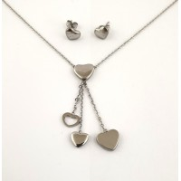 Heart set necklace with stud earrings
