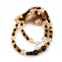 "Necklace made of citrine and garnet - ""Golden Night"""