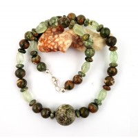 "Rainforest rhyolite alternating with faceted prehnite as an elegant, beautiful necklace. ""Regenwald"""